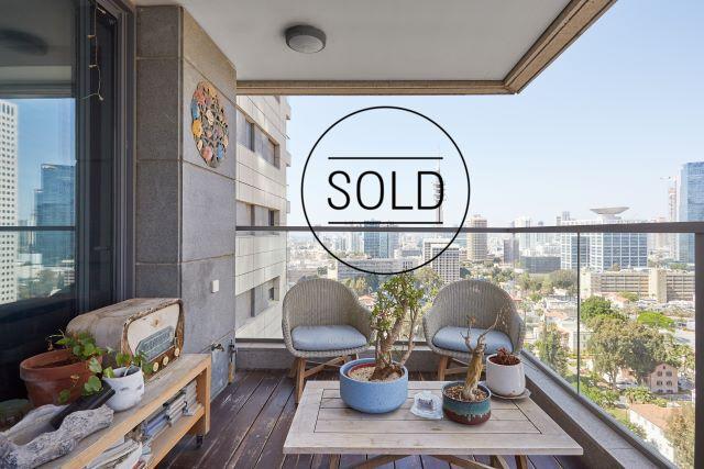 For sale 4 room apartment in Sarona Tel Aviv