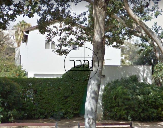 בית למכירה בשיכון הקצינים תל אביב
