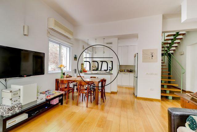 למכירה דירה נדירה בלב העיר תל אביב